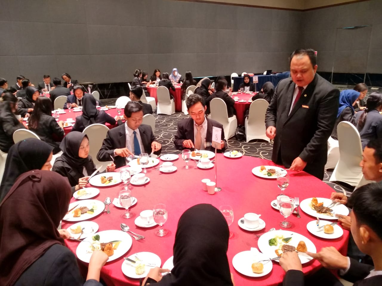 Table Manner FEB UBSI